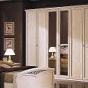Шкаф трехдверный фото