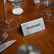 Заказ и бронирование столиков фото