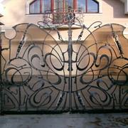 Кованые ворота фотография