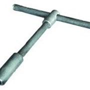 Ключ открытия нижнего слива нефтепродуктов из ж.д. цистерн КСН-28 фото