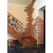 Использование искусственного камня при облицовке лестниц фото