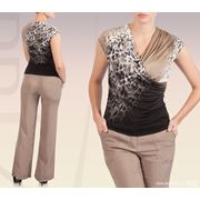 Блуза полуприлегающего силуэта из трикотажа фото