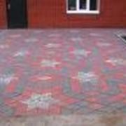 Укладка тротуарной плитки (брусчатки) фото