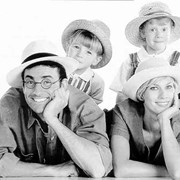 Полис страхования от несчастных случаев Семейное страхование фото