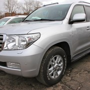 Автомобиль Toyota Land Cruiser 200 фото