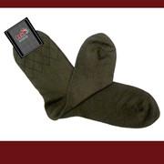 Элегантные мужские носки, удлиненные из хлопчатобумажной пряжи в сочетании с текстурированными синтетическими нитями. фото