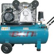 Компрессор поршневой ВКП LB550 10-100 Лидер одноступенчатый с ременной передачей. данная серия выпускается производительностью от 420 до 880 л/мин на ресиверах от 50 до 500 литров. Максимальное рабочее давление - 10 бар