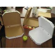 Упаковка картонная для пиццы фотография