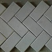 Плитка тротуарная вибропрессованная «Кирпичик» серая/цветная 200x100x45 фото