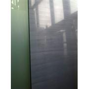 Наклейка защитной пленки на зеркала и лакобель фото
