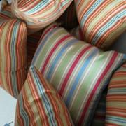 Пошив подушек на стулья, на диваны фото