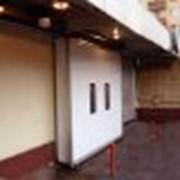 Подвесные ворота фото