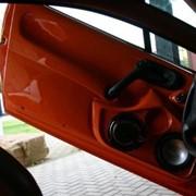 Обшивка дверей автомобиля фото