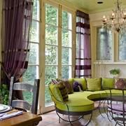 Пошив штор, ламбрекенов, свагов, жабо, покрывал, подушек, чехлов для мебели, скатертей, дизайн штор фото