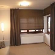 Пошив штор и ламбрекенов, подушек и покрывал, портьер, тентов, чехлов для мебели и скатертей фото