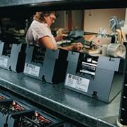 Промышленные самоклеящиеся этикетки из полиэстера фото