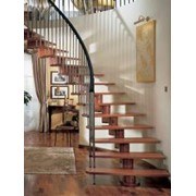 Лестница на деревянном (модульном) косоуре модель Araya фото