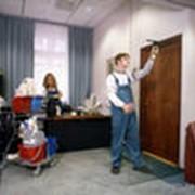 Уборка офисных помещений фото
