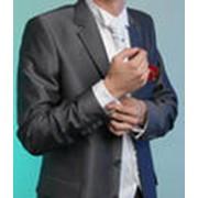Жилет для жениха с галстуком и салфеткой фото