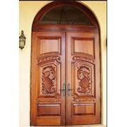 Двери из массива благородных пород фото