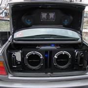 Монтаж акустических полок, подиумов и других аудио принадлежностей фото