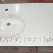 «Мадлен». Столешница с влитой овальной раковиной из искусственного мрамора в ванную комнату. фото