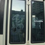 Удаление кислотных граффити, удаление рисунков на стекле фото