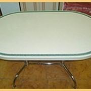 Кухонный стол из искусственного камня фото