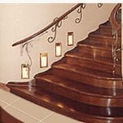 Лестницы из массива дуба фото