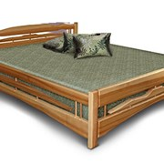 Двуспальная кровать из Дерева фото