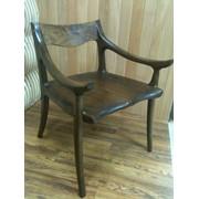 Кресло из массива американского черного ореха в стиле Сэма Малуфа фото