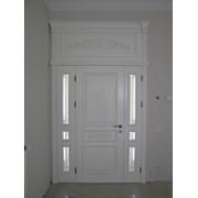 Двери из ясеня под белой краской фото