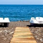 Прогулки на лодках и катамаранах. фото