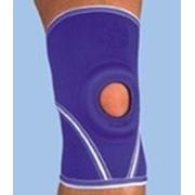 Фиксатор коленного сустава из неопрена с отверстием NKN-209 ITA-MED (США) фото