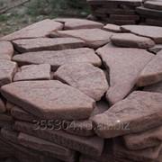 Камень пластушка природный красный галтованный фото
