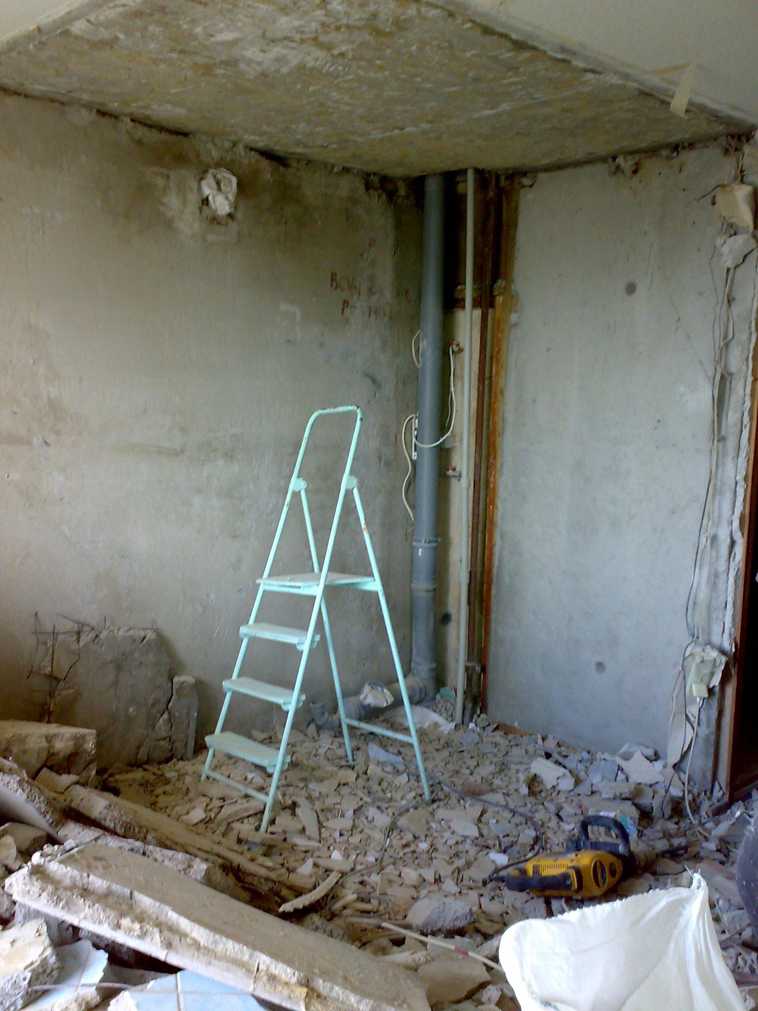 Фото к объявлению: демонтаж санкабины, перегородок в харьков.