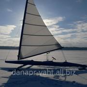 Буер - яхта на льду. Киев фото