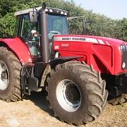 Обслуживание сельскохозяйственных тракторов фото