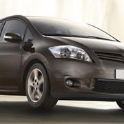 Автомобиль Toyota Auris фото