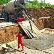 Транспортировка товарных смесей на строительные площадки фото