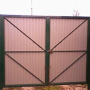 Въездные ворота. Из профлиста или сетки-рабицы. фото