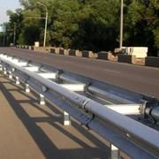 Дорожные ограждения барьерного типа фото