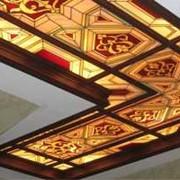 Стеклянные и зеркальные потолки фото