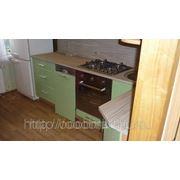 Фасады: Салатовый металлик, корпус: Бук 5113. Кухни на заказ СПБ Салатовый металик
