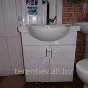 Ванная мебель-тумбы с умывальниками,навесные шкафы в ассортименте фото