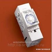 Электромеханический таймер, суточная программа, минимальный интервал переключения 30 мин IH BIM QT фото