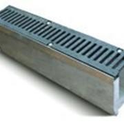 Лоток водоотводный SUPER ЛВ-15.25.31 бетонный с вертикальным водосливом с решеткой чугунной фото