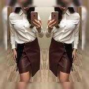 Женская юбка из эко кожи в бордовом цвете фото