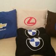 Автомобильные подушки с индивидуальной вышивкой 45х35 см фото