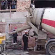 Услуги бетоносмесителя и бетононасоса фото